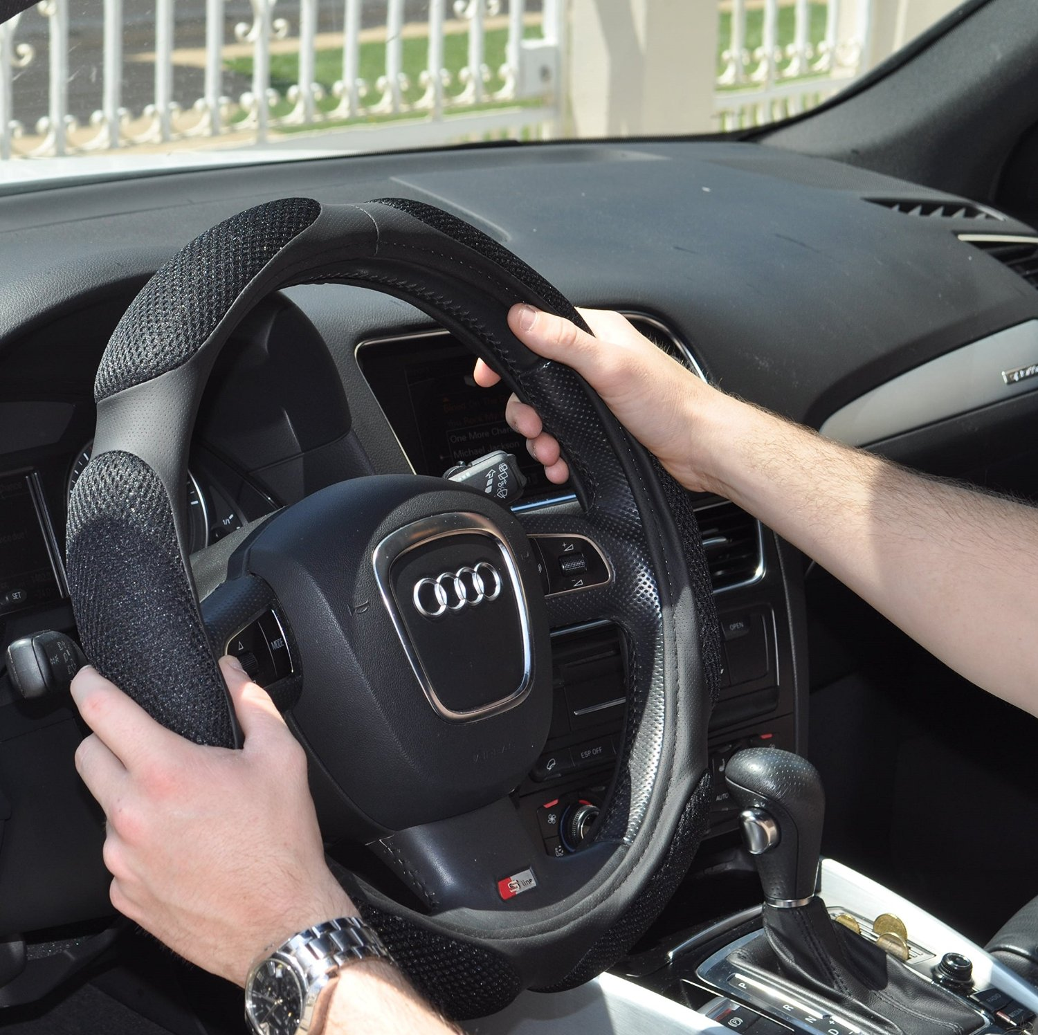 8 Best Car Steering Wheel Covers for Men and Women