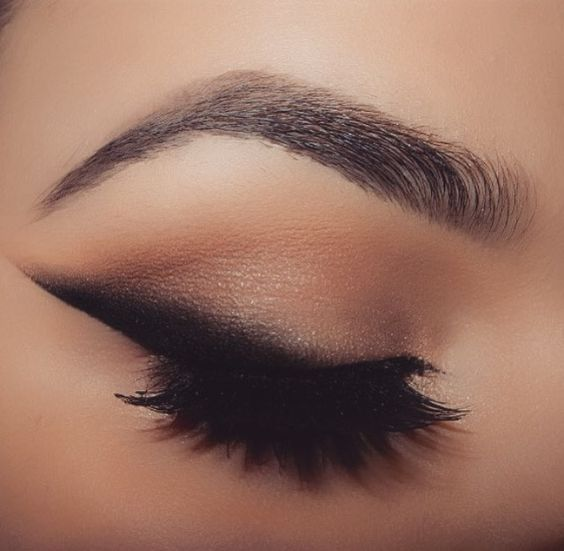 How to Create the Perfect Sexy Night Out Look