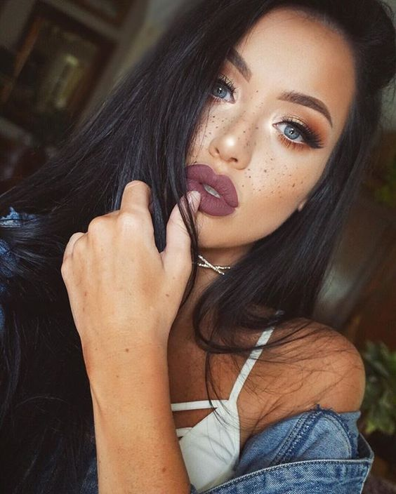 How to Pull Off Fake Freckles