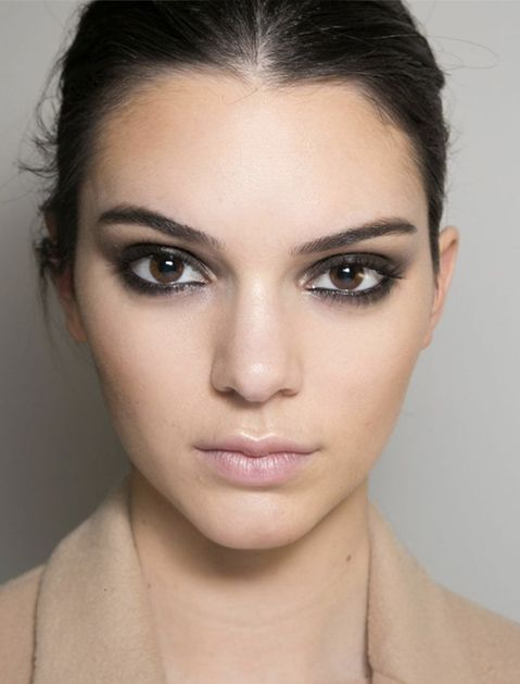 How to Pull Off Smudged Eyeliner