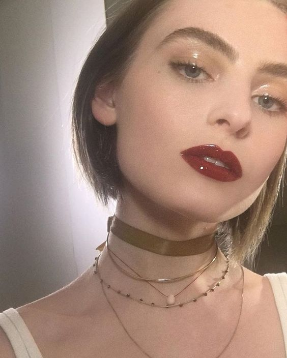 How to Rock Glossy Eyelids
