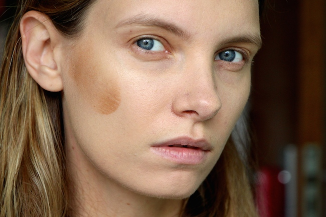 How to Deal With Makeup Mishaps On The Go