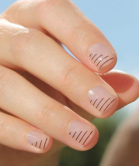 15 Gorgeous Minimalist Nail Design Ideas