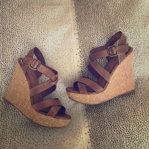 9 Stylish Wedges To Compliment Any Summer Outfit