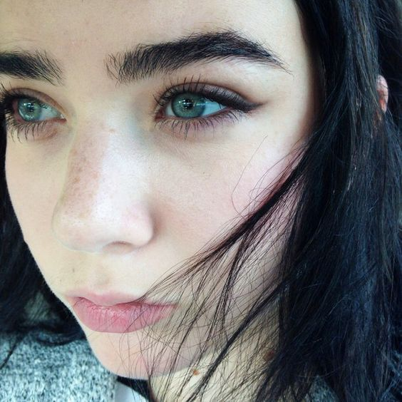 How to Create Natural-Looking Brows