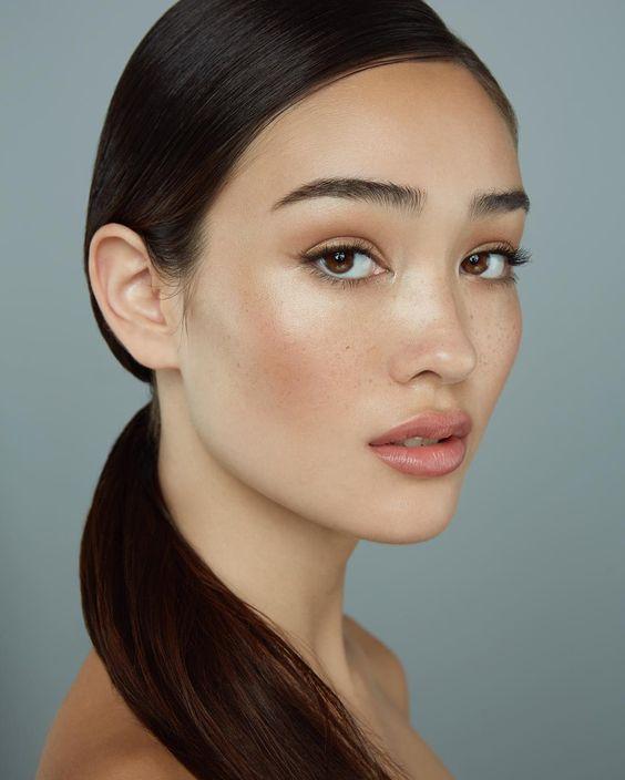 How to Fake Natural Glowing Skin