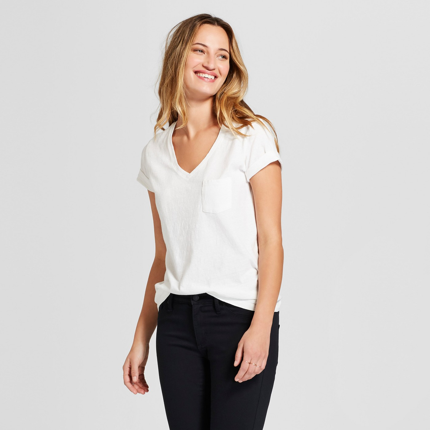 Women's Monterey Pocket V-Neck Short Sleeve T-Shirt - Universal Thread™ - image 1 of 3