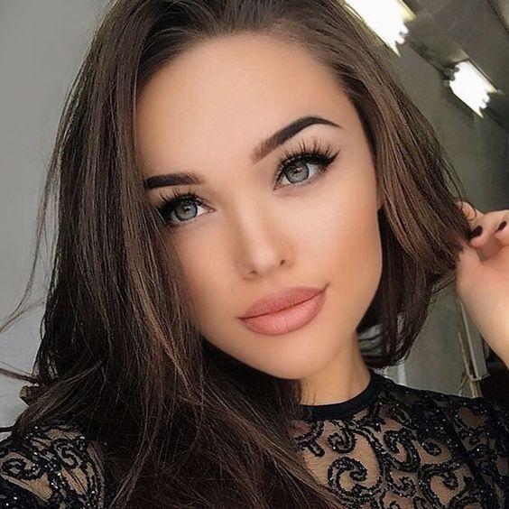 Everyday Makeup Trends to Look Wonderful ★ See more: https://makeupjournal.com/everyday-makeup-trends/
