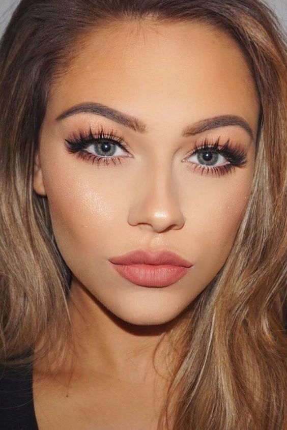 Lovely and romantic makeup look for date night, or just a casual everyday look // @Thirteen02 thirteen02.com http://www.deal-shop.com/product/neutrogena-makeup-remover/
