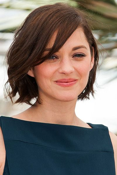 50 haircuts to copy right now | blunt bob hairstyle with side swept bangs