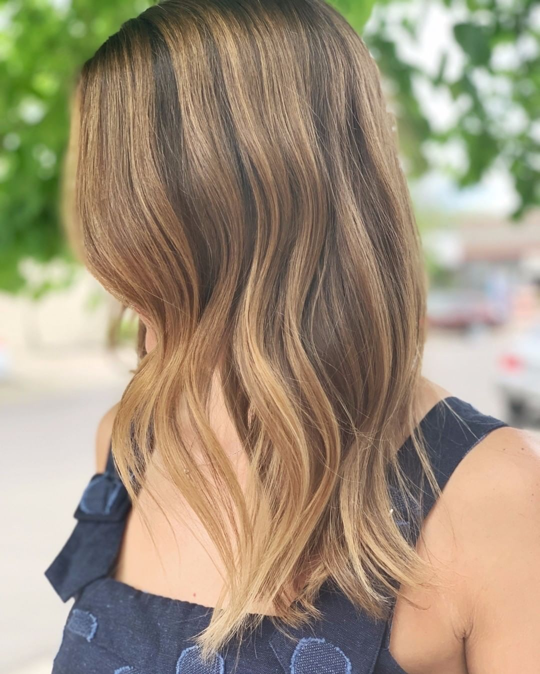 medium hairstyle for summer