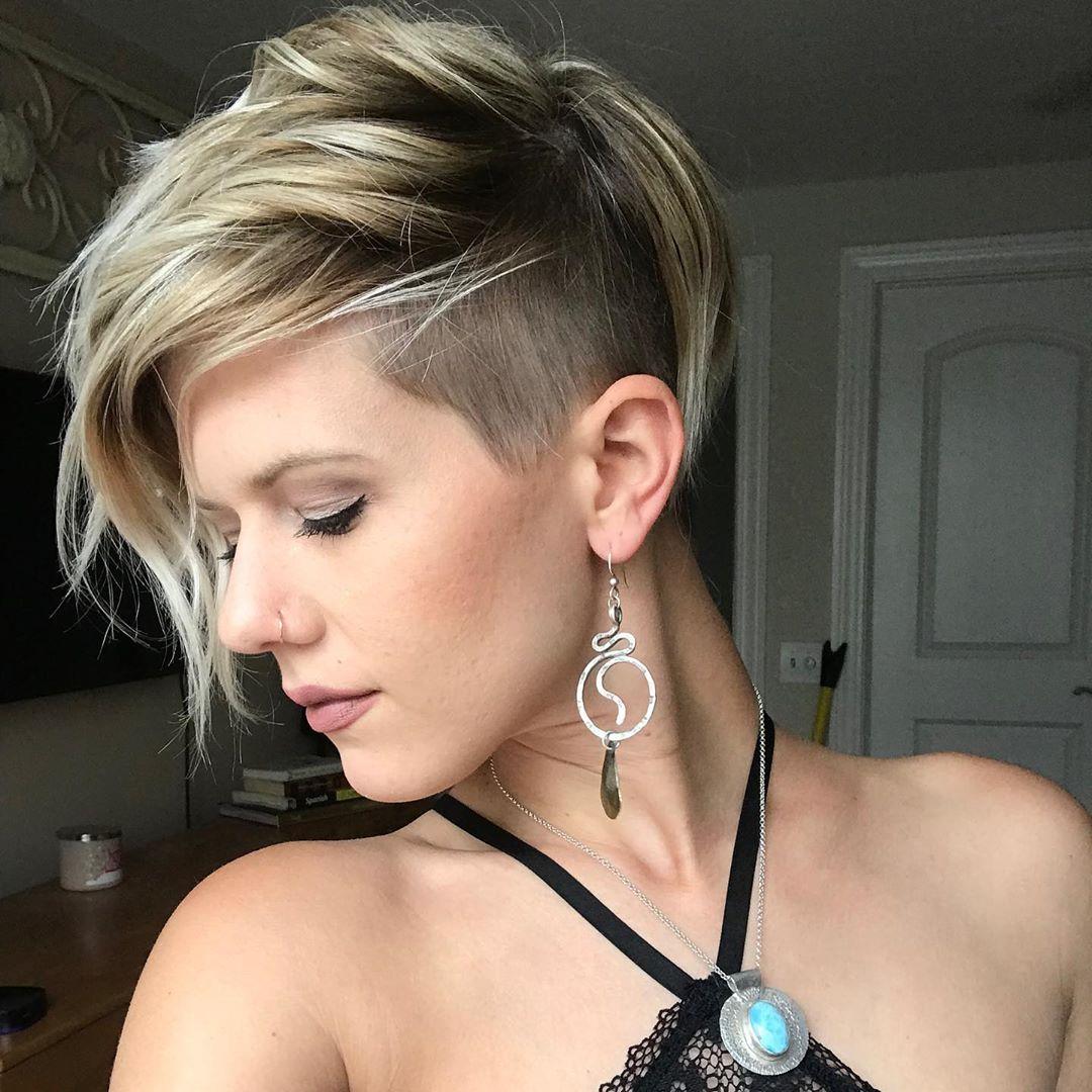 short pixie haircut 2022