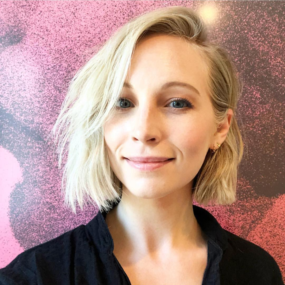Chin-Length Blonde Bob with Deep Side Part