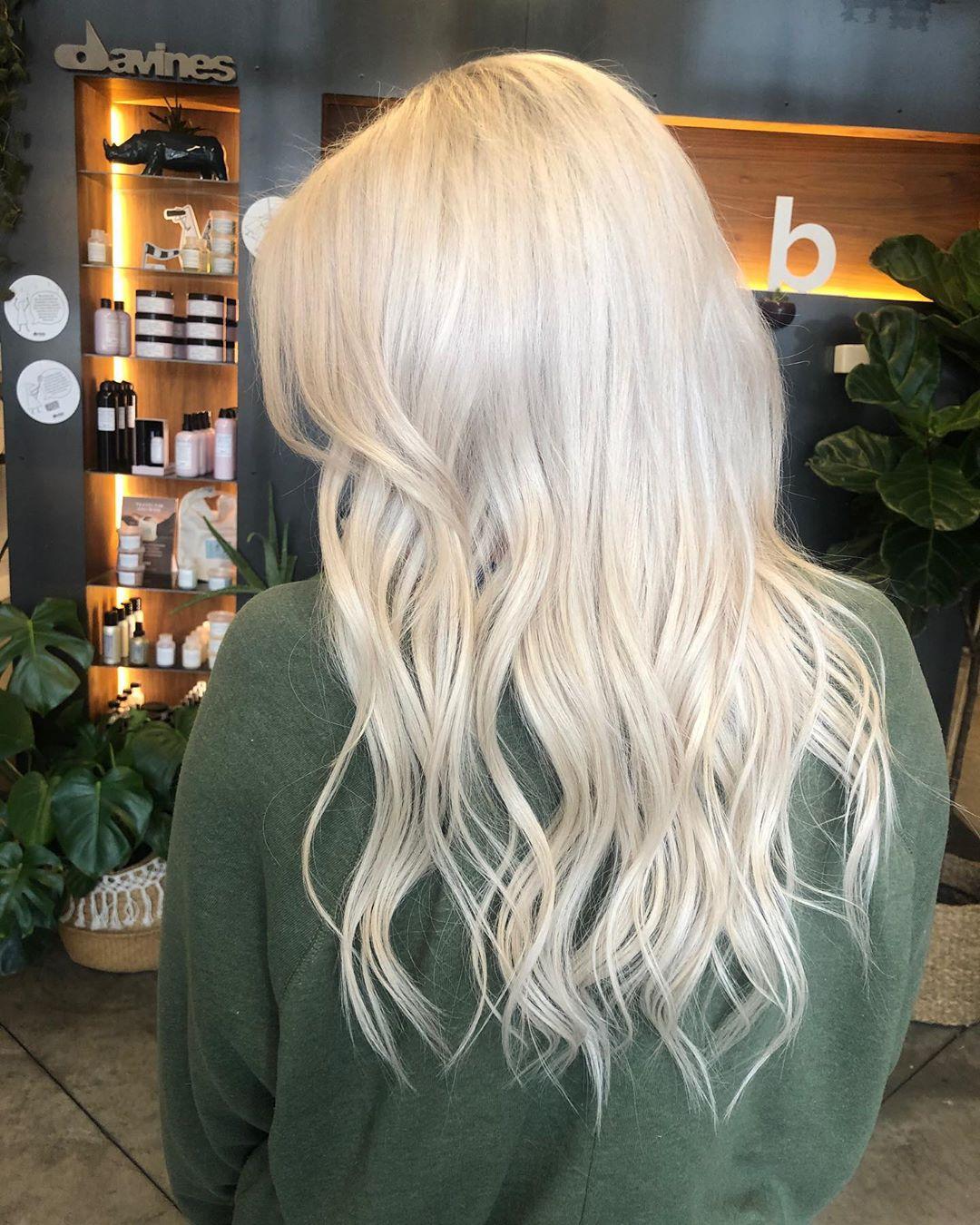 long blonde hair styles for girls