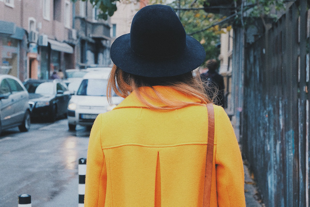 Yellow What Color Palettes Work for Both Summer & Fall Fashion?