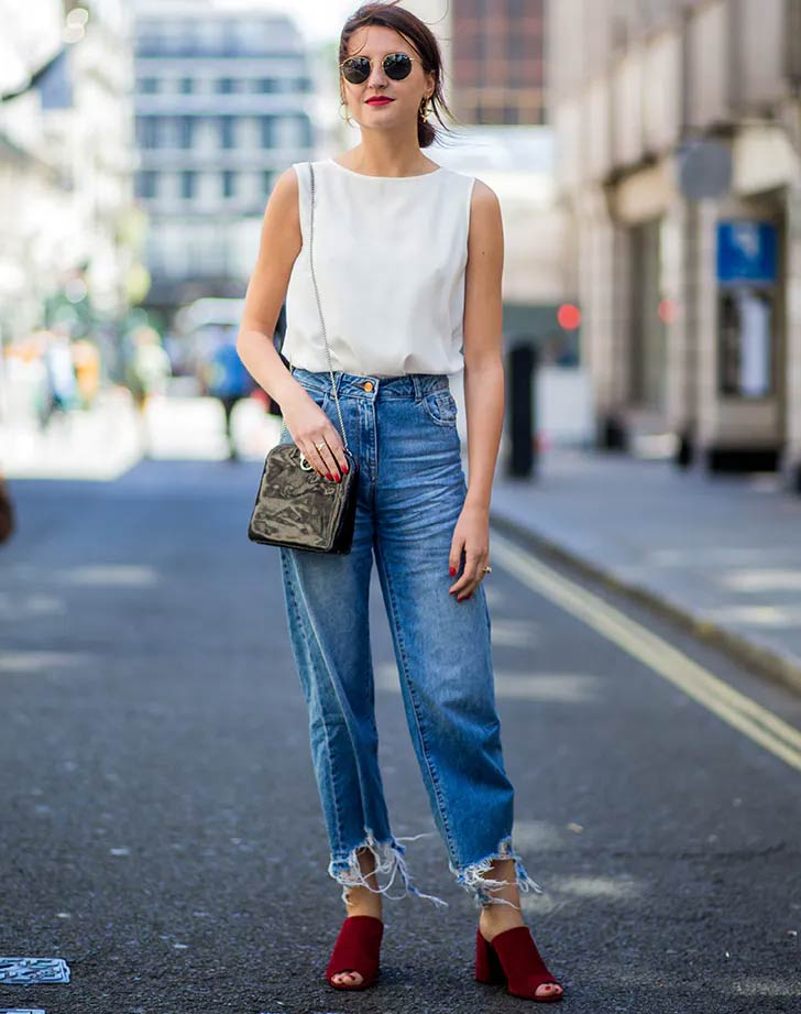 Minimalist-Tee-Over-Loose-fit-Boyfriend-Jeans