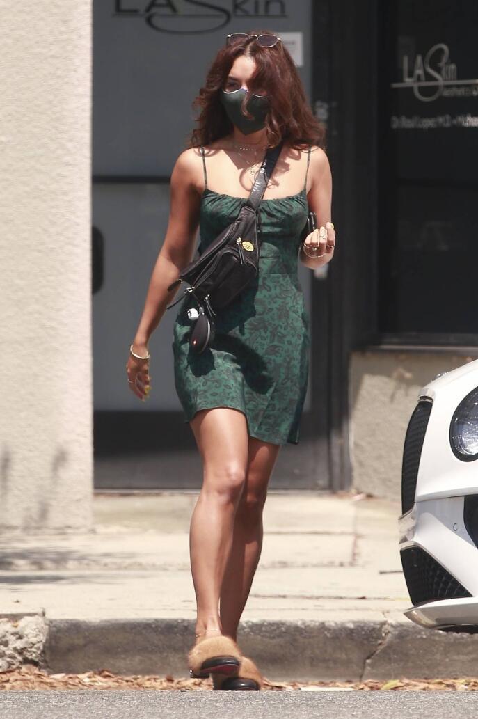 Vanessa Hudgens summer outfit ideas