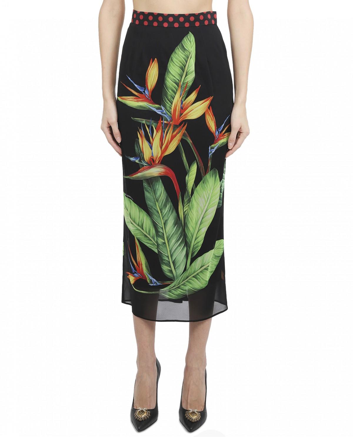 keke palmer styles dolce gabbana herstylecode 1 Keke Palmer Styles: Dolce & Gabbana Cropped Top & Floral Skirt