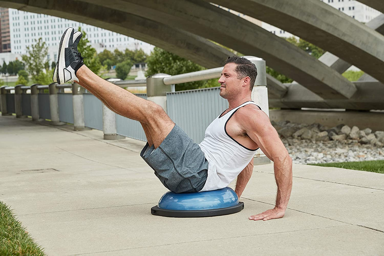 10 best bosu balls – exercise for weight loss muscle toning herstylecode 8 10 Best Bosu Balls (Balance Trainer) 2021 – Exercise for Weight Loss and Muscle Toning