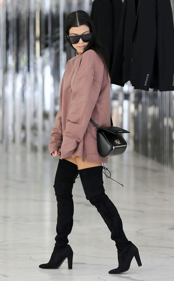 Kourtney Kardashian from The Big Picture: Today's Hot Pics   E! Online
