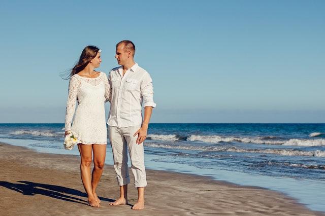 Mini Wedding Dress Best Beach Wedding Attire Tips For Brides