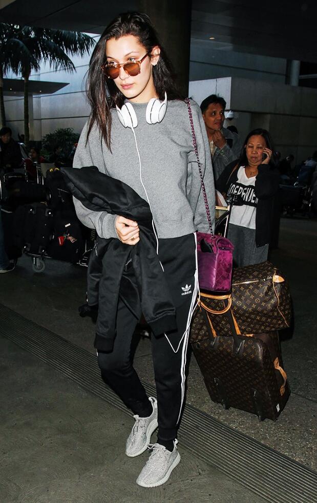 fashion girls wear yeezys