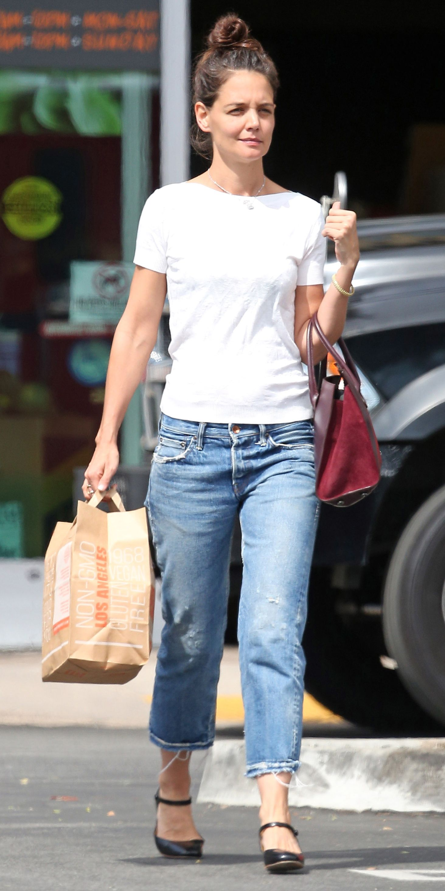 Katie Holmes's Midi-Heeled Mary Janes Perfectly Dress Up Jeans and a Tee from InStyle.com | Katie holmes style, Dress up jeans, Casual summer outfits