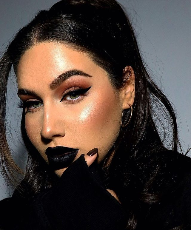 How to Wear Black Lipstick Casually