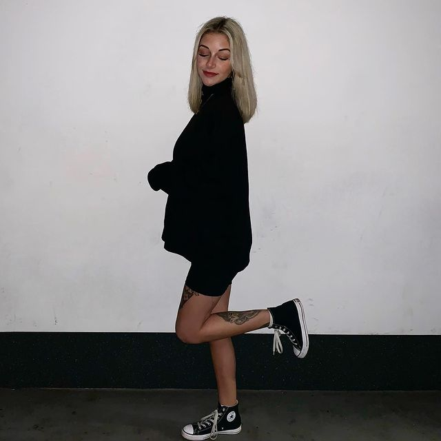 How to Wear Converse in Style - Try These Fashion Hacks