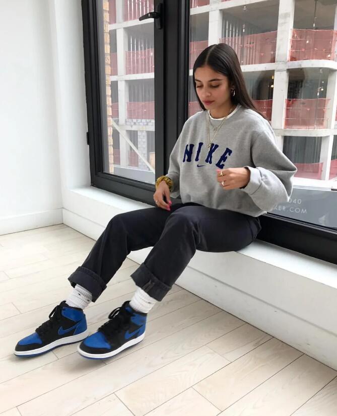 DANIE SIERRA with nike sneaker