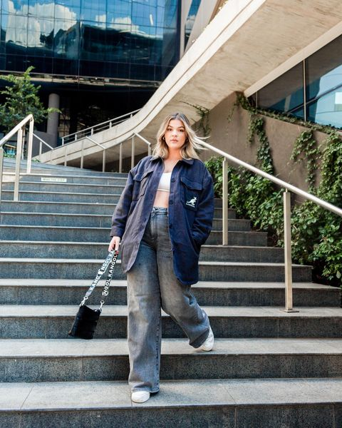 How to Style Baggy Jeans in Super-Cool Slouchy & Chic Outfits