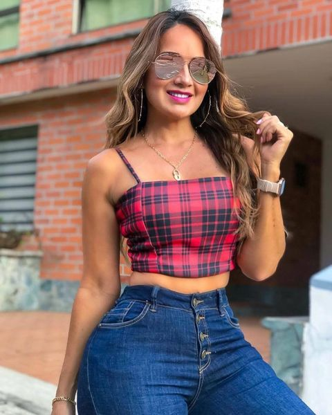 How to Style Crop Tops to Suit Your Body Shape and Style