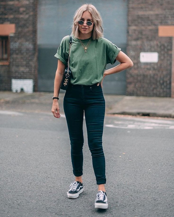 GIVEAWAY - Diese perfekte Röhrenjeans ist ... - #brands #GIVEAWAY #Jeans ... - Girls - # | Simple trendy outfits, Trendy spring outfits, Casual outfits