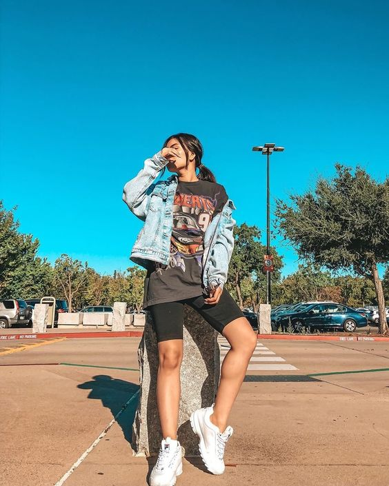 what to wear with fila disruptors outfit ideas for women with fila shoes herstylecode 4 What to Wear with Fila Disruptors - Outfit Ideas for Women with Fila Shoes