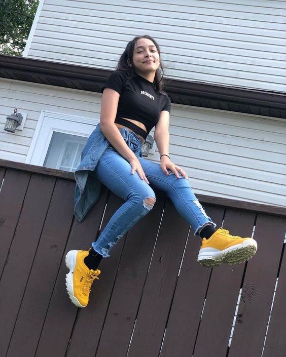 what to wear with fila disruptors outfit ideas for women with fila shoes herstylecode 6 What to Wear with Fila Disruptors - Outfit Ideas for Women with Fila Shoes