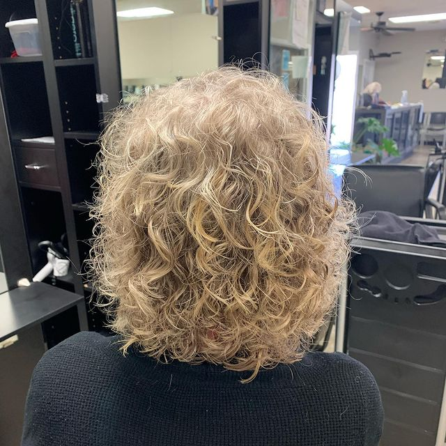 3 Things You Should Know Before You Get a Perm