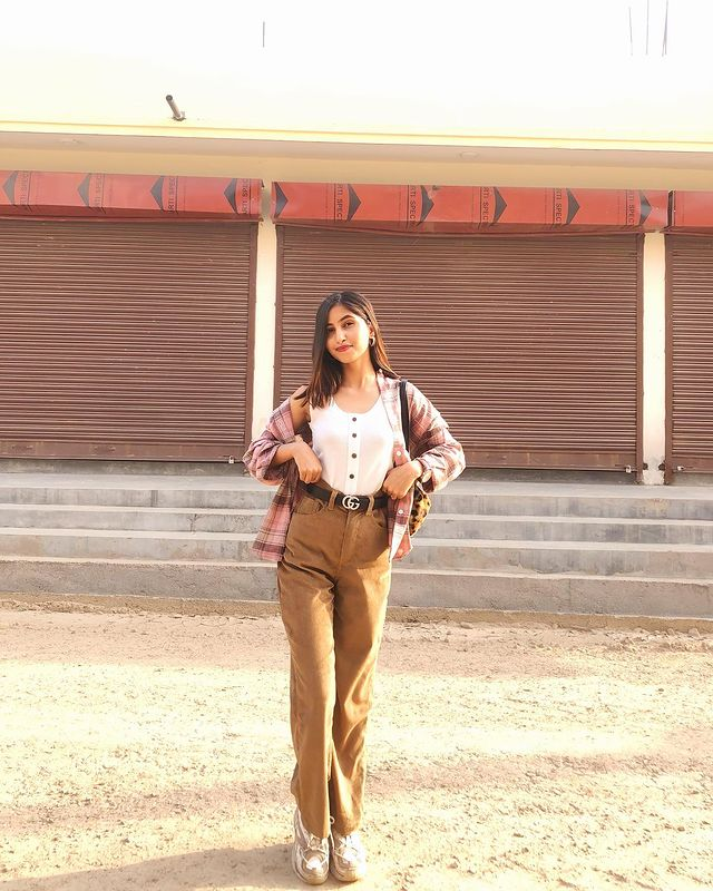 How to Style Brown Pants