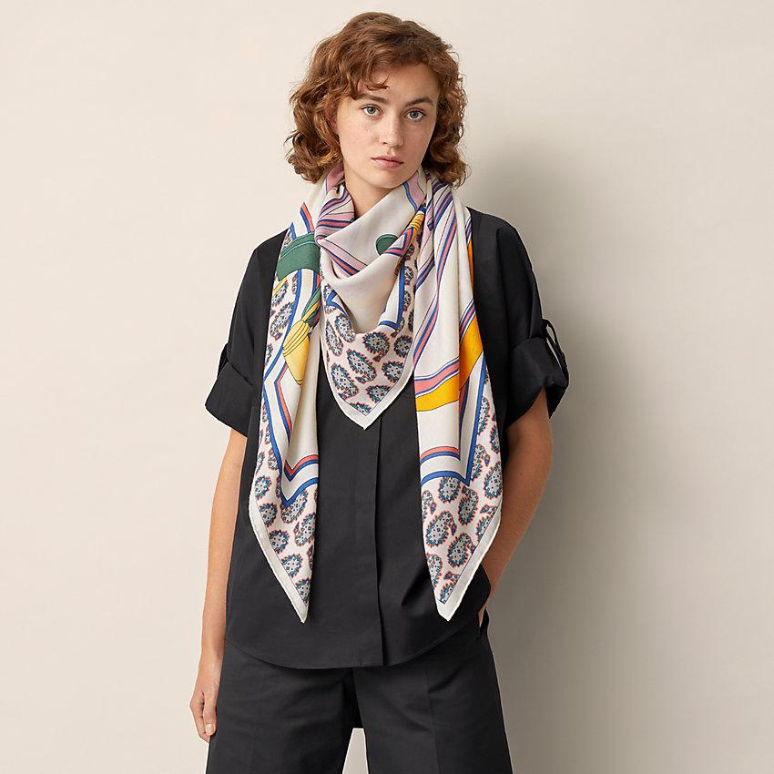 View: Worn, Les Roues de Phaeton shawl 140