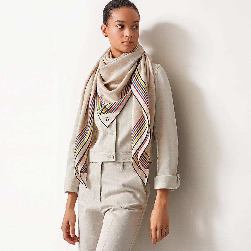 View: Worn, Encadre Liste au Fil shawl 140