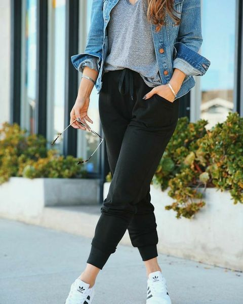 How to Wear Joggers (Women\'s Style Guide): 25 Jogger Pants Outfit ideas