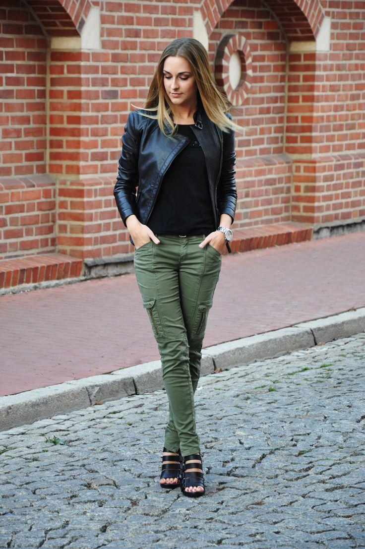 Feminine Ways to Wear Cargo Pants  | Olive pants outfit, Cargo pants women, Cargo pants women outfit