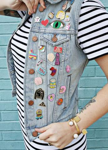 5 Ways to Display Your Enamel Pin Collection – Bookish and Bakewell