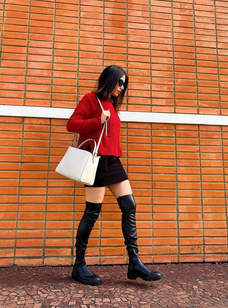 Over-the-knee boots & body shape