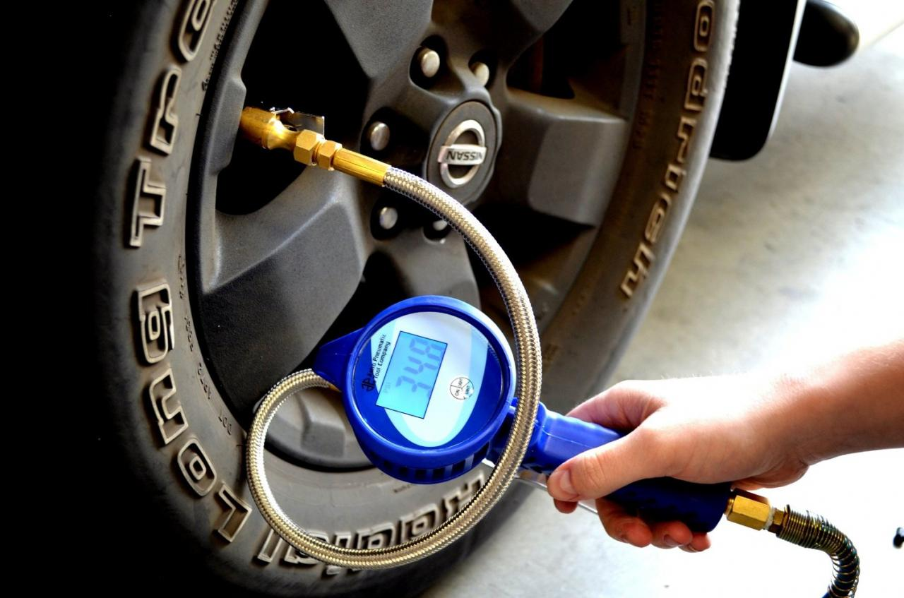 Top 10 Best Digital Tire Pressure Gauges 2019
