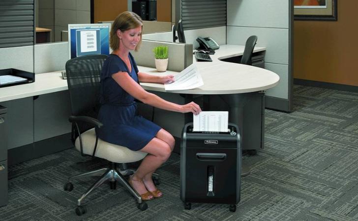 Best Paper Shredders for Office Home 10 Best Paper Shredders for Office & Home in 2021