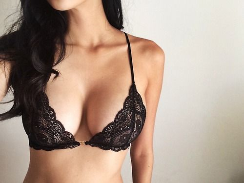7 Ways to Keep Your Boobs From Sagging