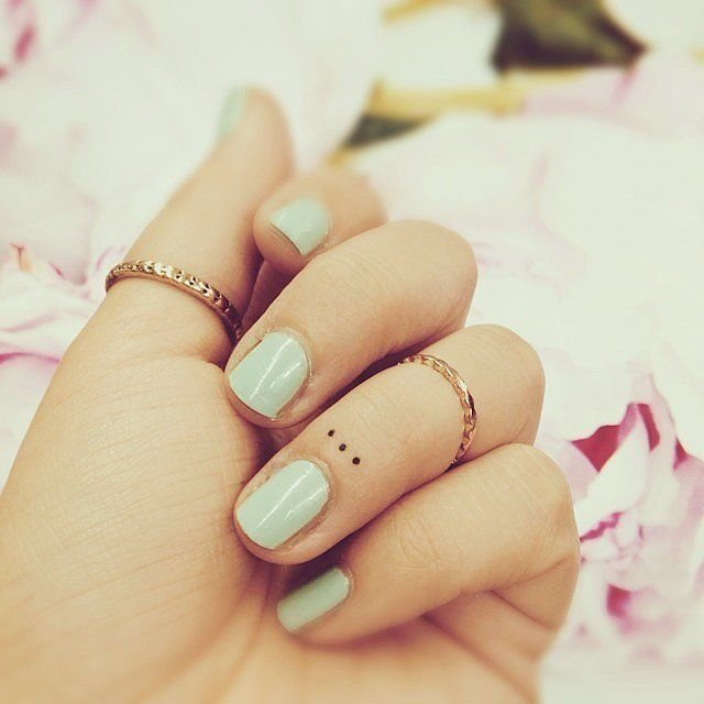 75 awesome small tattoo ideas for women 2017 tiny tattoo designs cute small tattoo designs urmus Images