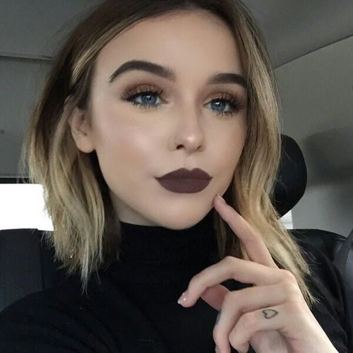 7 Absolutely Essential Tips on How to Wear Dark Lipstick ...