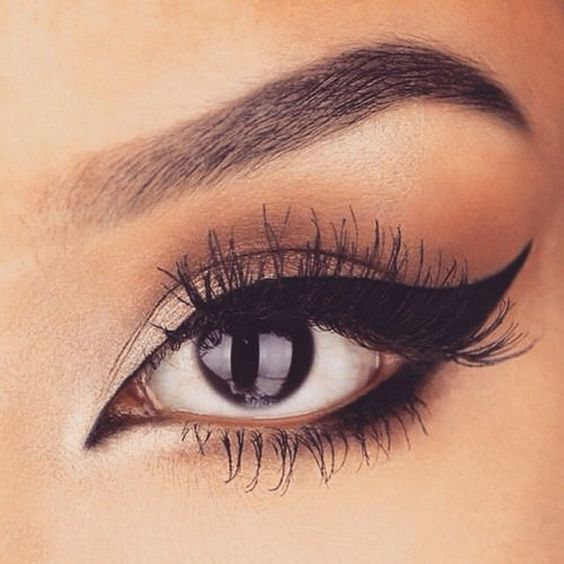 7 Useful Tips For Applying Liquid Eyeliner for Beginners ...