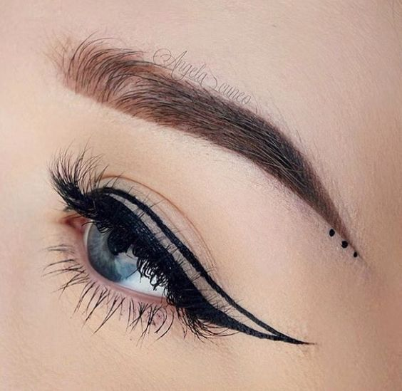 How to Wear Negative Space Eyeliner